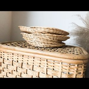 Set of 6 wicker dishes/plates